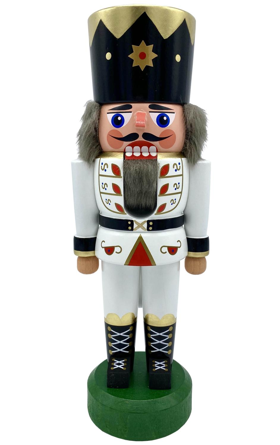 012-0421W - Dregeno Nutcracker - White King - 8.75